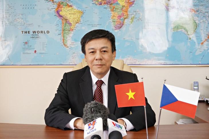 Menambah tenaga pendorong baru bagi hubungan Viet Nam-Republik Czech - ảnh 1