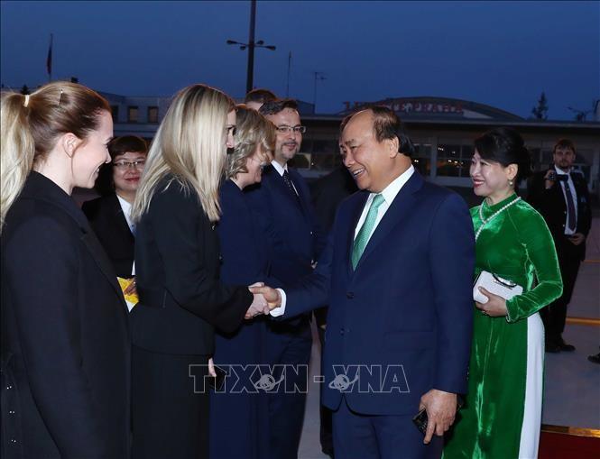 PM Nguyen Xuan Phuc mengakhiri dengan baik kunjungan resmi di Rumania dan Republik Czech - ảnh 1