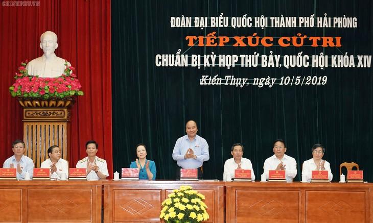 PM Nguyen Xuan Phuc melakukan kontak dengan pemilih Kota Hai Phong - ảnh 1