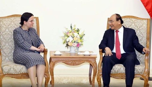 PM Nguyen Xuan Phuc menerima Sekretaris Negara Kemlu Rumania, Monica Gheorghita - ảnh 1