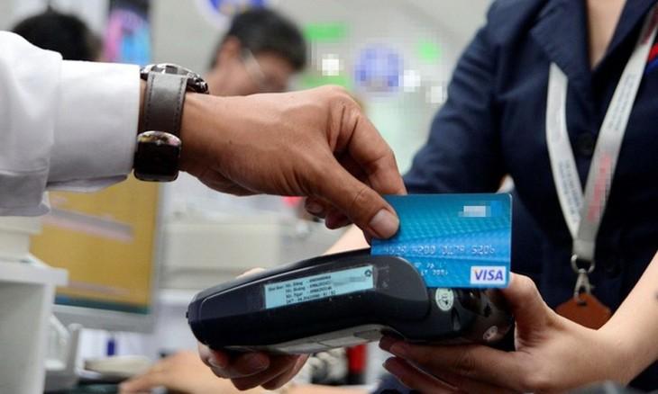 Kecenderungan pembayaran tanpa uang tunai di Viet Nam - ảnh 1