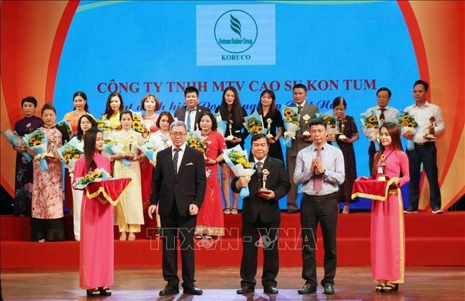 Memuliakan badan usaha Viet Nam yang tipikal dan kreatif tahun 2019 - ảnh 1