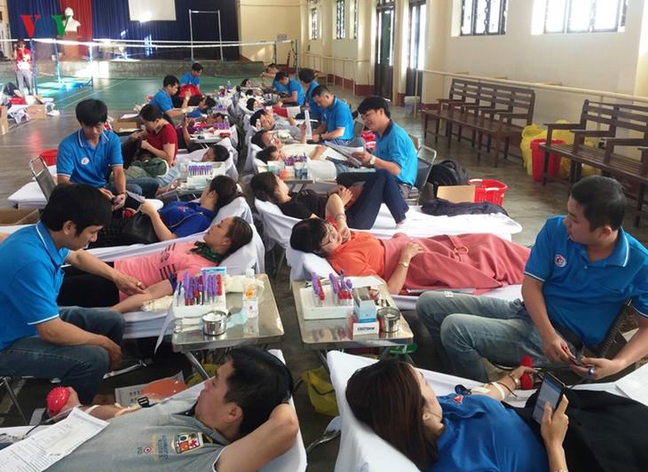 Provinsi Lam Dong menyebar-luaskan gerakan menyumbangkan darah sukarela - ảnh 1
