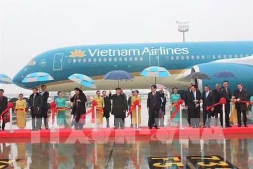 ທ່ານເລຂາທິການໃຫຍ່ຫງວຽນຟຸຈ້ອງເຂົ້າຮ່ວມພິທີຮັບເອົາເຮືອບິນຂອງ Vietnam Airline ແລະ Viejet Air  ຢູ່ຝລັ່ງ - ảnh 1