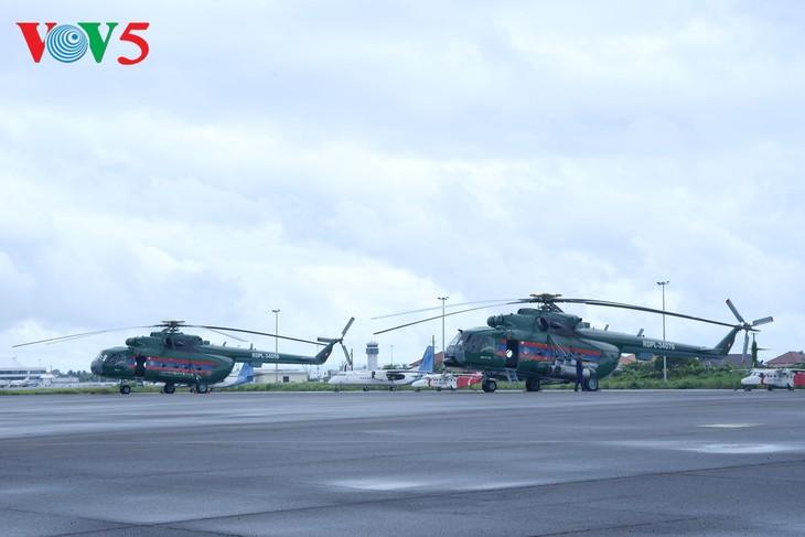 ພິທີມອບຮັບເຮືອບິນເອລີກອບເຕີ Mi -17 ຂອງລັດເຊຍ ໃຫ້ແກ່ກອງທັບອາກາດສປປລາວ - ảnh 4