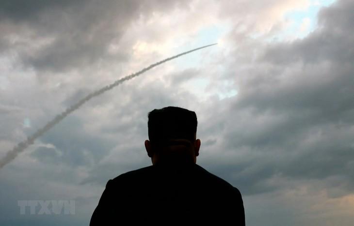 ການນໍາ Kim Jong-un ສະແດງທັດສະນະກ່ຽວກັບການຍິງລູກສອນໄຟຂອງ ສປປ.ເກົາຫຼີ - ảnh 1
