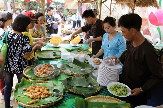 Inaugurado espacio gastronómico del Festival Internacional de Fuegos Artificiales abre en Da Nang - ảnh 1