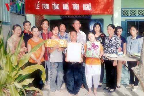 Toda la sociedad une esfuerzos para paliar el dolor naranja en Vietnam - ảnh 1