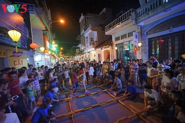 Quang Ninh preserva las culturas étnicas - ảnh 3