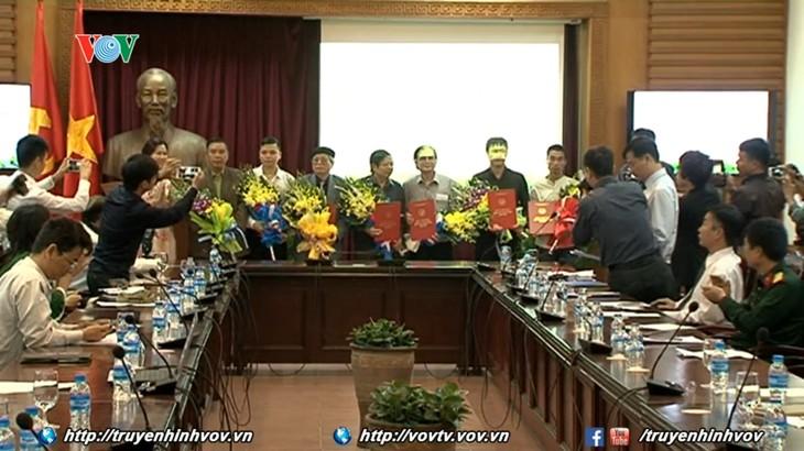 Vietnam otorga premios a las obras destacadas de divulgación del APEC 2017 - ảnh 1