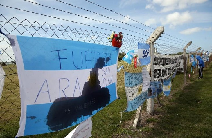 Argentina redobla esfuerzos con las tareas de búsqueda del navío ARA San Juan - ảnh 1