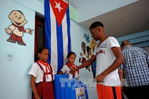 Cuba celebra las elecciones municipales y avanza hacia las legislativas   - ảnh 1