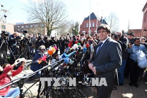 España aporta pruebas para la extradición de Carles Puigdemont desde Alemania - ảnh 1