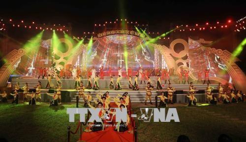 Inauguran la Fiesta cultural de las nacionalidades vietnamitas - ảnh 1