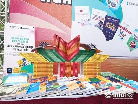 Presentan la estantería de la integración internacional de Vietnam - ảnh 1