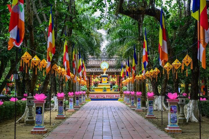 Siguen actividades conmemorativas de la celebración del Vesak en Vietnam  - ảnh 1