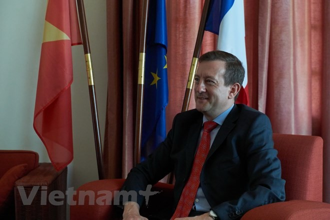 Diplomático francés alaba vínculos de cooperación con Vietnam - ảnh 1