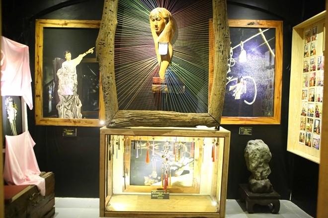 Primer museo del bordado en Hue - ảnh 1