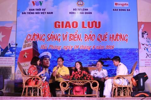Destacan 9 individuos en la defensa de mares e islas nacionales de Vietnam - ảnh 1