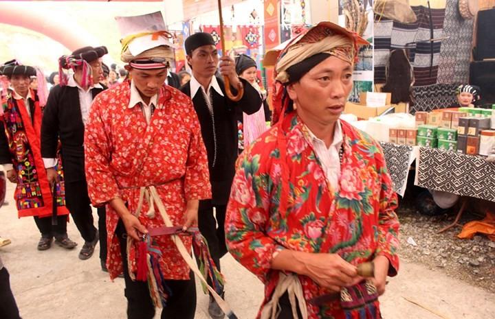 Fiesta Tu Cai reconoce adolescencia de los étnicos Dao Dau Bang - ảnh 2