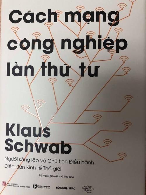 """Publican versión vietnamita del libro """"Cuarta Revolución Industrial""""  - ảnh 1"""
