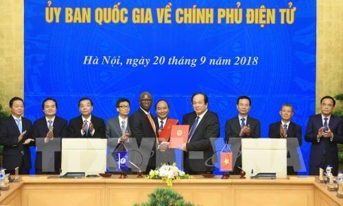 Premier orienta la construcción del gobierno electrónico de Vietnam   - ảnh 1
