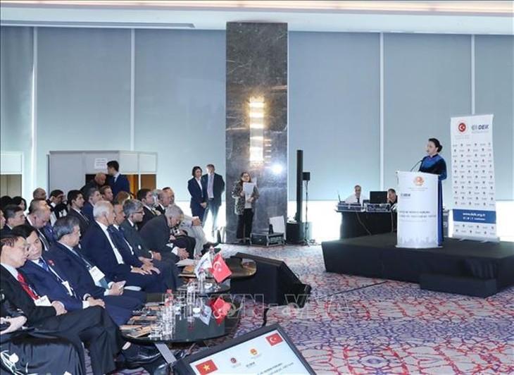 Vietnam determinado a aportar más en la diplomacia parlamentaria mundial - ảnh 1