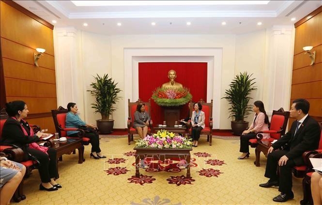 Delegación de la Federación de Mujeres Cubanas visita Vietnam - ảnh 1