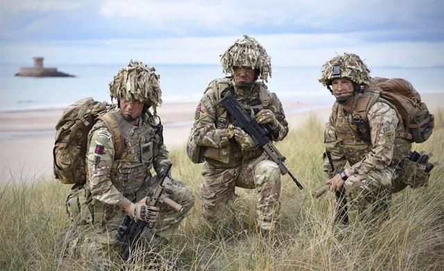 Reino Unido abroga restricciones en el reclutamiento militar - ảnh 1