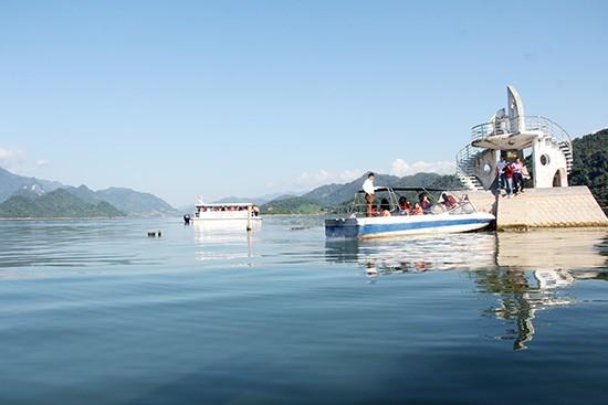 "Quynh Nhai, ""la bahía de Ha Long"" del noroeste de Vietnam - ảnh 1"