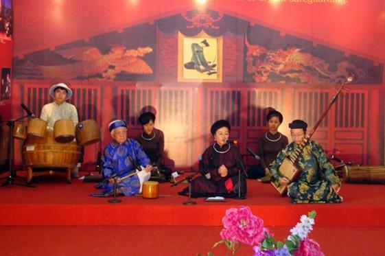 Celebran el Día del Patrimonio Cultural de Vietnam - ảnh 1