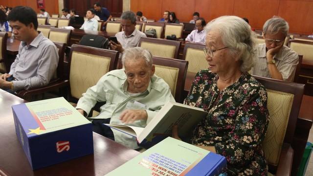 Publican colección de libros sobre el Frente Nacional de Liberación de Vietnam del Sur - ảnh 1