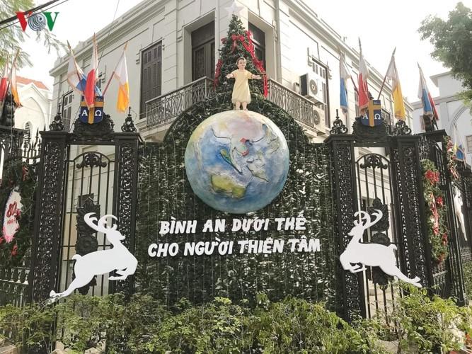 Feliz Navidad: evidencia de la libertad de religión y credo en Vietnam - ảnh 2