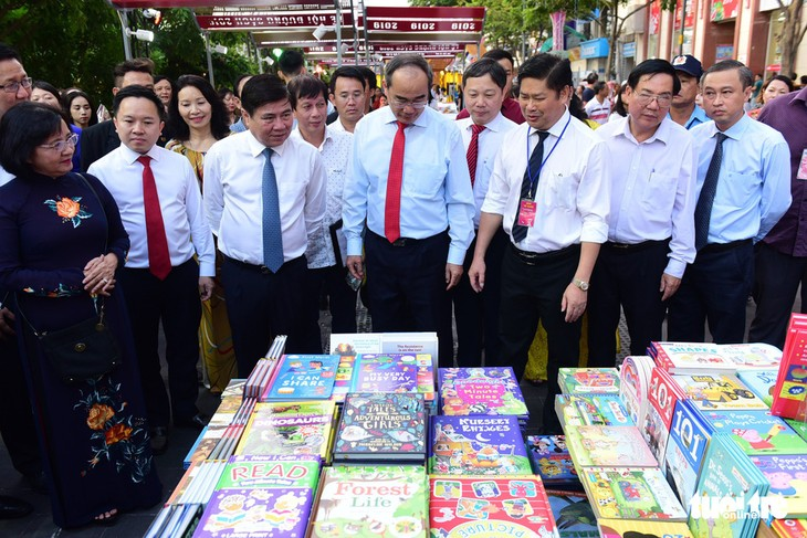Inauguran un festival de libros como preámbulo del Tet 2019 en Ciudad Ho Chi Minh - ảnh 1