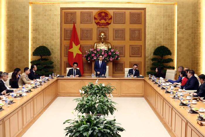 Vicepremier vietnamita preside una reunión hacia desarrollo sostenible de empresas - ảnh 1