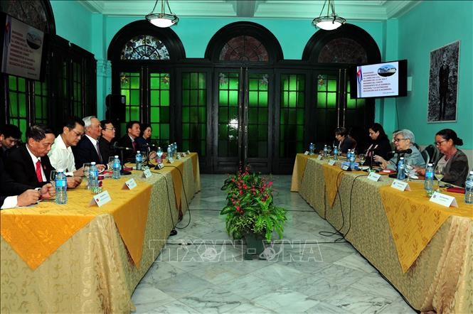 Vietnam y Cuba comparten experiencias de elaboración de políticas - ảnh 1
