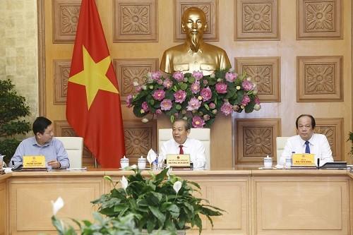 Viceprimer ministro de Vietnam pide impulsar reformas administrativas - ảnh 1