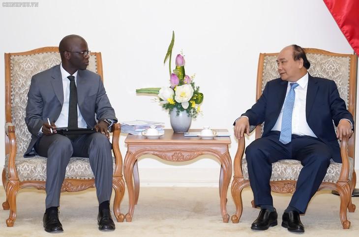 Vietnam tiene relaciones fortalecidas con Banco Mundial, afirma premier Nguyen Xuan Phuc - ảnh 1