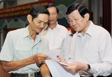チョン・タン・サン国家主席, ホーチミン市の第1地区の有権者と会合 - ảnh 1