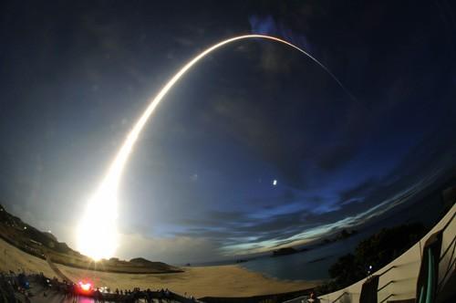 超小型衛星「ピコドラゴン」 打上成功  - ảnh 1