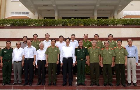 ズン首相、第7軍管区の指揮部と会合 - ảnh 1