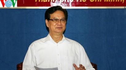 ズン首相、第7軍管区党委員会と会合 - ảnh 1