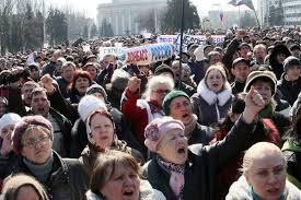 ウクライナが東部に兵力1万5千人集結か  - ảnh 1