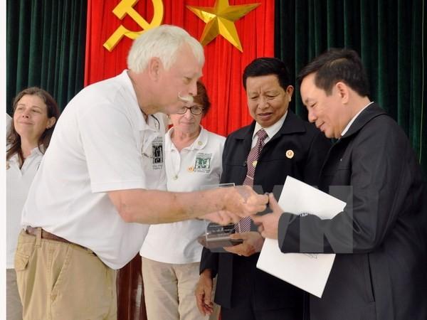米国のベトナム戦争帰還兵代表団、クアンナム省を訪問 - ảnh 1