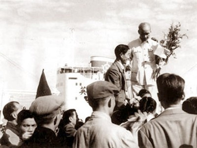 故郷の建設事業に寄与する国外在留ベトナム人 - ảnh 1