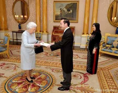 英女王、ベトナムとの協力関係に深い関心を - ảnh 1