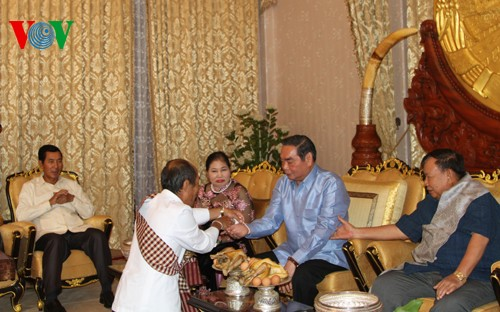 ベトナム高級代表団、ラオス訪問を終了 - ảnh 1