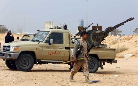 リビアで行方不明の記者5人の遺体発見、「イスラム国」が関与か - ảnh 1