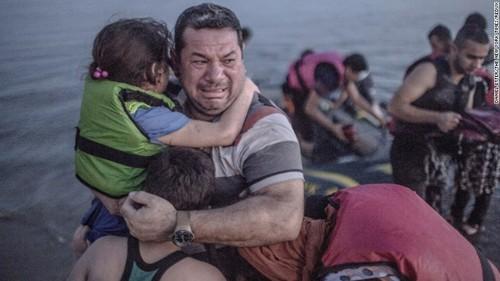 難民問題「様々な対応検討」 米大統領報道官  - ảnh 1