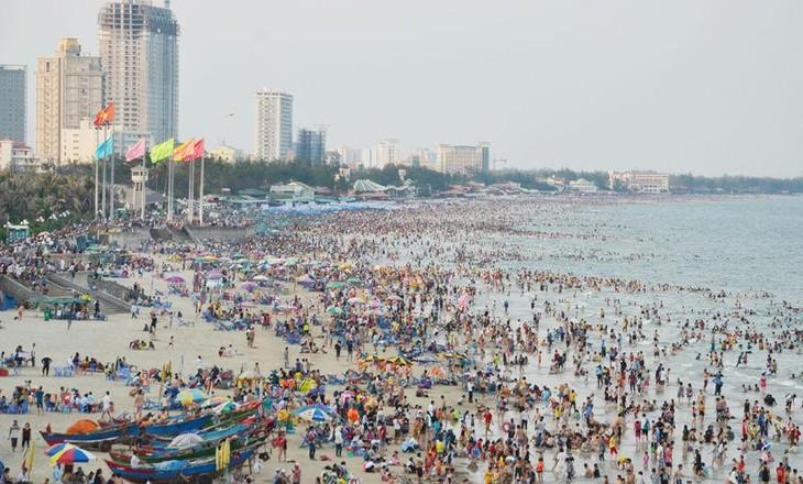 4連休で、観光客数が急増 - ảnh 1